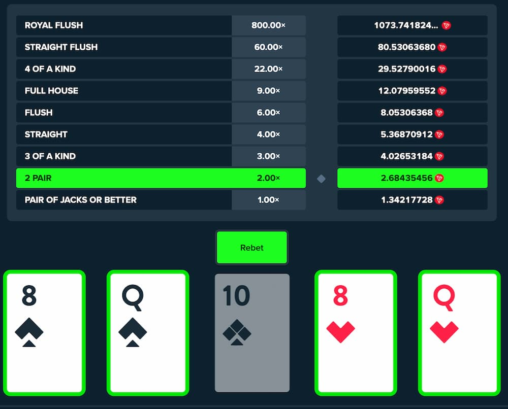 video poker gameplay screenshot with 2 pairs and table with possible winnings